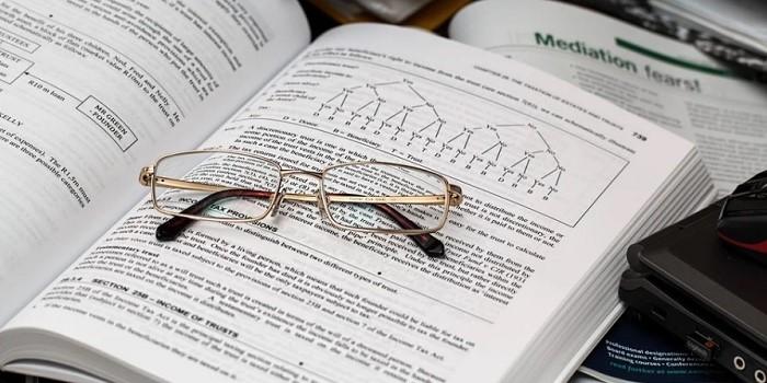 TOEICは参考書選びが肝心!600点以上を目指せる本を選ぶ「5つのポイント」